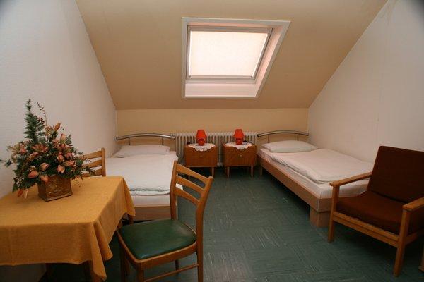 Krone, Zur Hotel Gasthof, Борнхайм