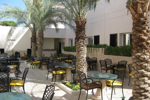 Ramee Garden Hotel Apartments - фото 19