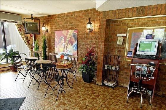 Comfort Inn Windsor - фото 9