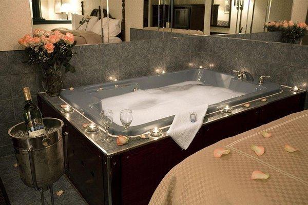Comfort Suites Downtown Windsor - фото 15