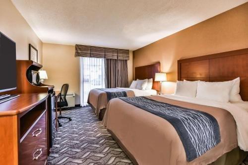 Comfort Inn & Suites Ambassador Bridge - фото 2