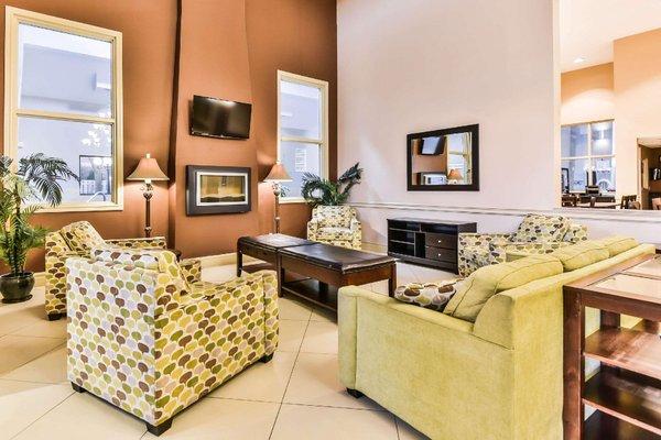 Comfort Inn & Suites Ambassador Bridge - фото 3