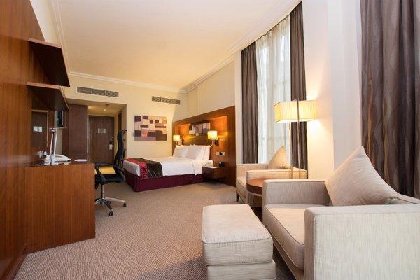 Holiday Inn Abu Dhabi - фото 1
