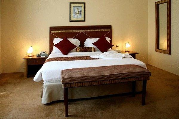 Cassells Hotel Apartments - фото 1