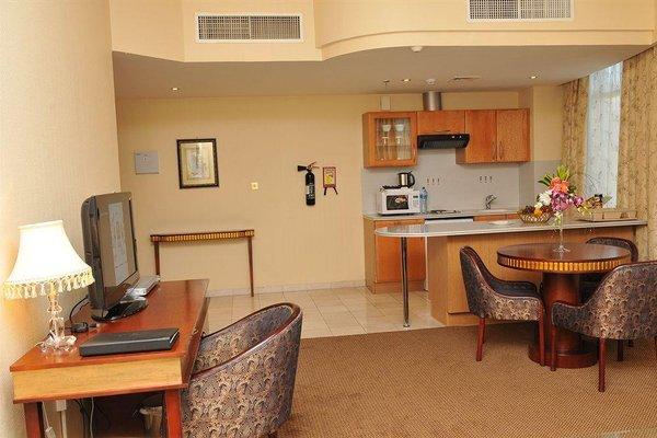 Cassells Hotel Apartments - фото 11