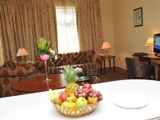 Cassells Hotel Apartments - фото 14