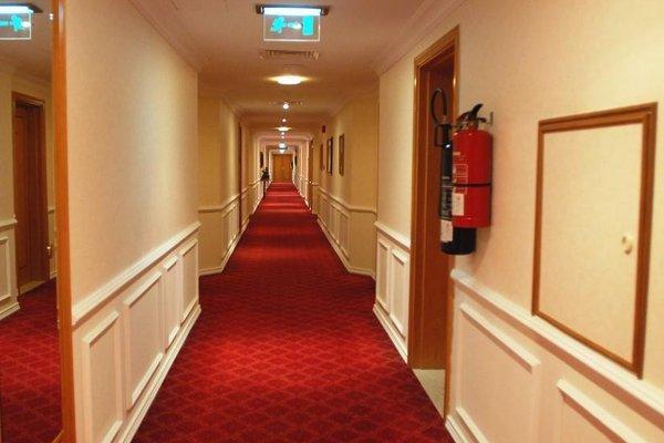 Cassells Hotel Apartments - фото 17
