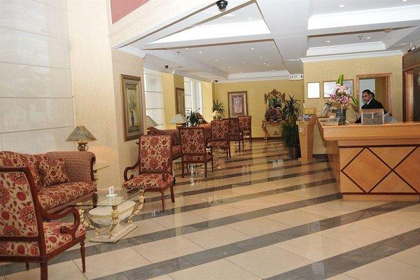 Cassells Hotel Apartments - фото 4