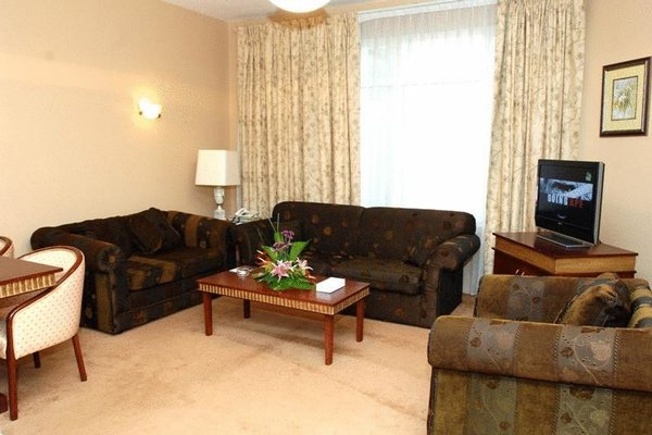 Cassells Hotel Apartments - фото 6