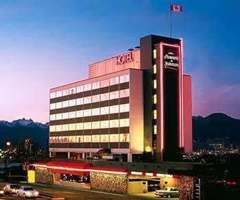 Howard Johnson Plaza Vancouver Hotel, Ванкувер