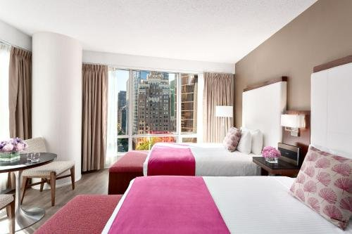 Auberge Vancouver Hotel - фото 1