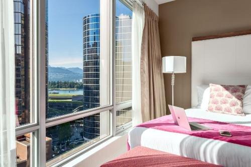 Auberge Vancouver Hotel - фото 4
