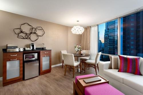 Auberge Vancouver Hotel - фото 6