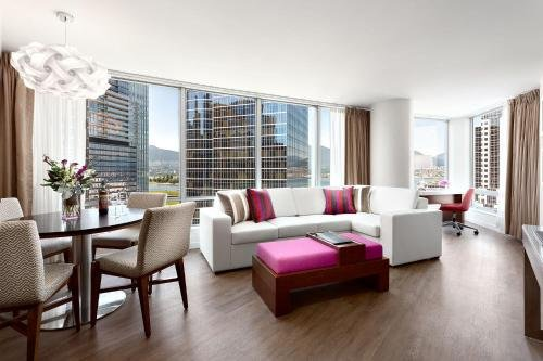 Auberge Vancouver Hotel - фото 7