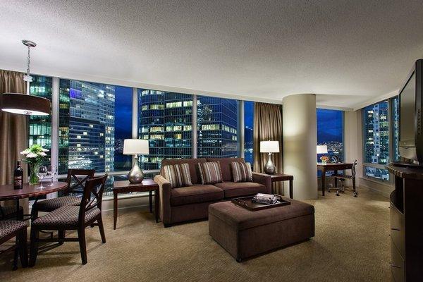 Auberge Vancouver Hotel - фото 9