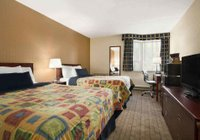 Отзывы Travelodge Toronto East Hotel, 3 звезды