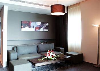72 Hotel - фото 5