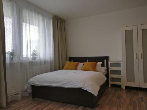Invalidovna Apartment - фото 13