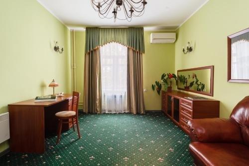 Гостиница «Коломенское», Каринское