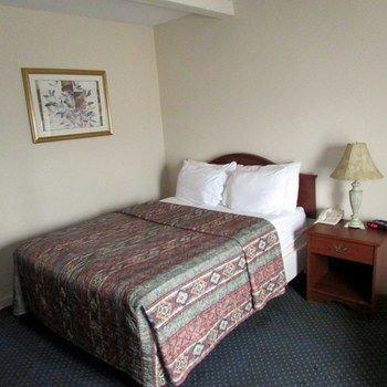 Drawbridge Inn & Suites Sarnia - фото 2
