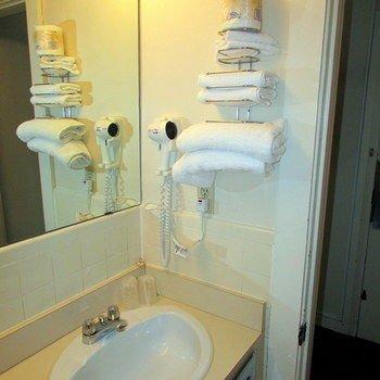 Drawbridge Inn & Suites Sarnia - фото 6