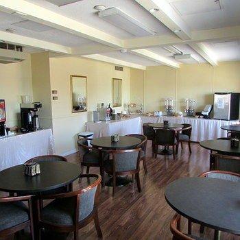 Drawbridge Inn & Suites Sarnia - фото 8