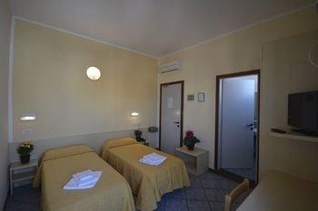 Hotel Corona - фото 7