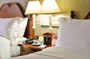 Hotel Plaza Del Libertador - фото 1