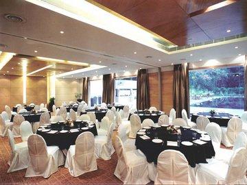 Edenpark New Delhi (Qutab Hotel) - фото 9