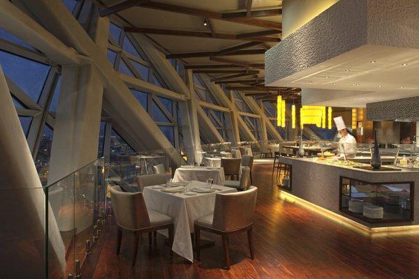 Hyatt Capital Gate Abu Dhabi - фото 9