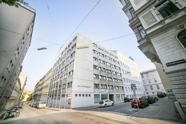 Alibi Hostel - фото 6
