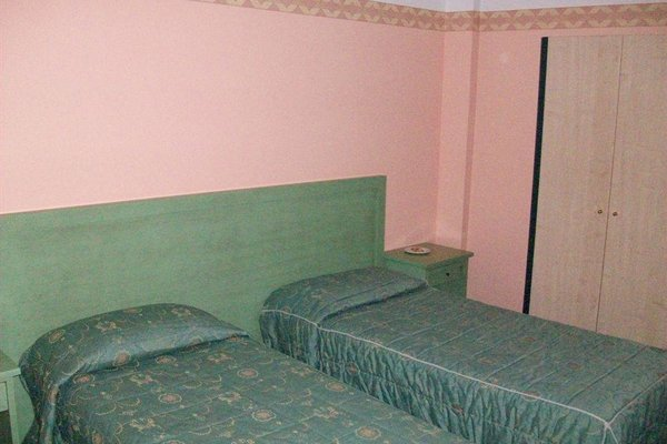 Prim Hotel, Минербио
