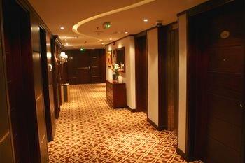 Trianon Hotel - фото 20