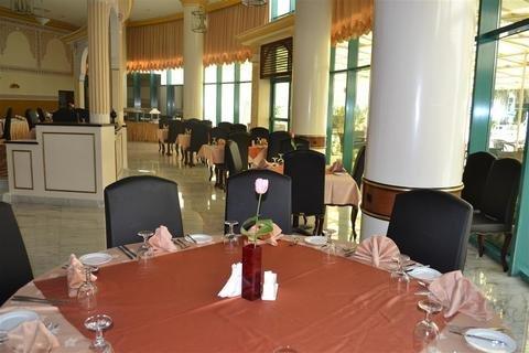 Tulip Inn Al Sharia - фото 12