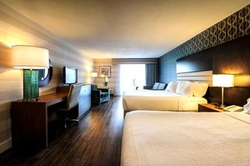 Holiday Inn Niagara Falls-By the Falls