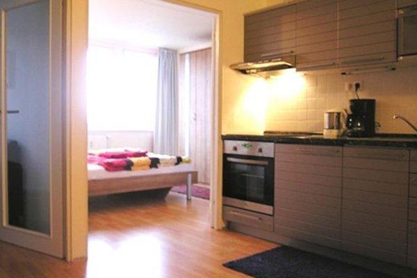 Modern Sunny Apartment - фото 12