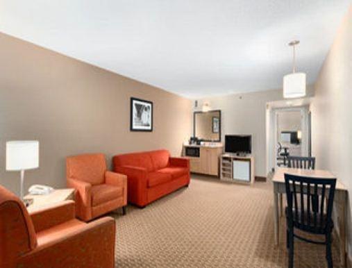Travelodge Suites Moncton - фото 4