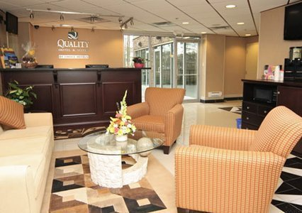 Quality Hotel & Suites Langley - фото 9