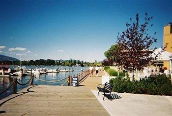 Kelowna Lakeshore Inn - фото 11