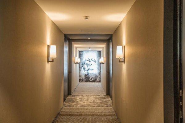 b-smart hotel, Гамприн