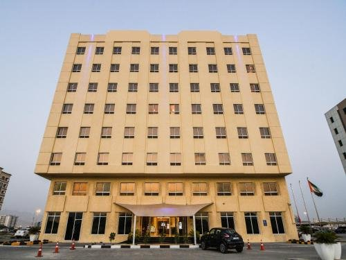 Tulip Inn Ras Al Khaimah - фото 20