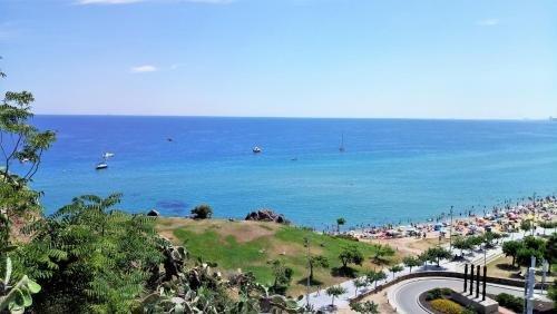 Bianca Seaview & Beach Apartment - фото 9