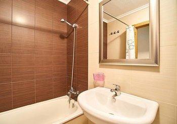 Apartment Ramon Gallud 218 - фото 1