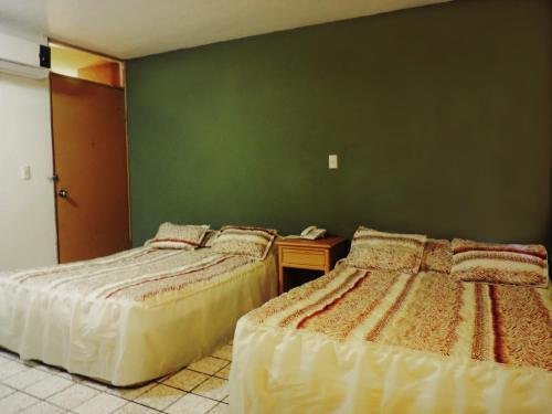 Hotel Grand Reyes - фото 2