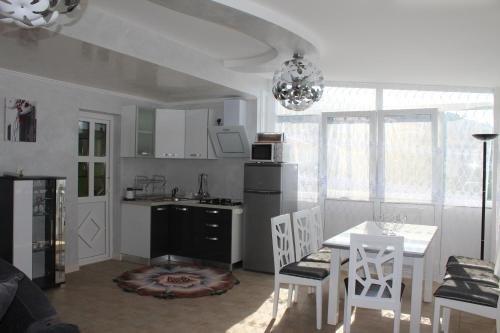 Lilac Apartments - фото 14