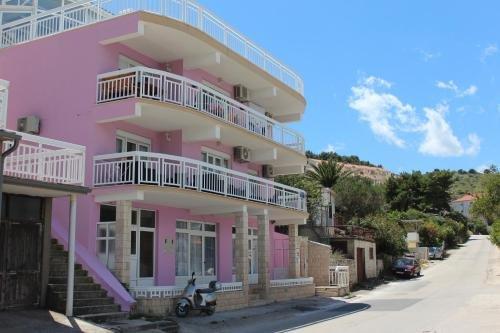 Lilac Apartments - фото 23