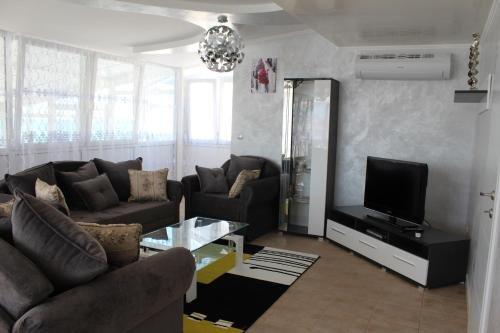 Lilac Apartments - фото 6