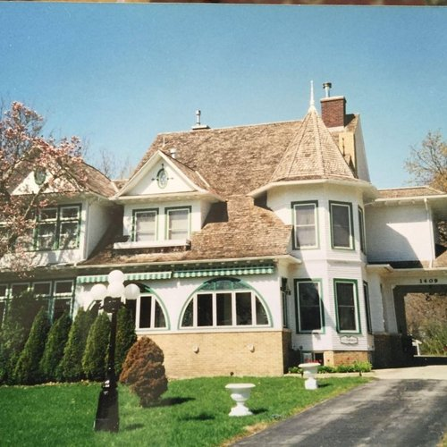 Photo of Chestnut Charm Bed & Breakfast