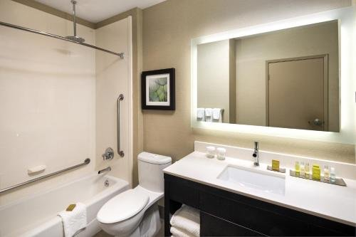 The Hollis Halifax - a DoubleTree Suites by Hilton - фото 10