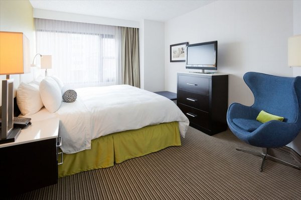 The Hollis Halifax - a DoubleTree Suites by Hilton - фото 2